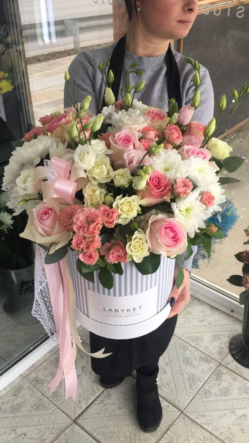 Композиции цветов с доставкой в Ейске