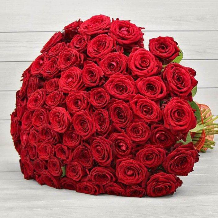 Букет из 101 розы сорт Ред Науми №48