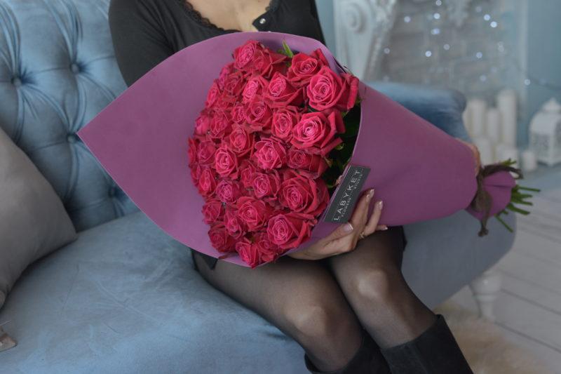 Букет из 35 роз сорт Шангри ла №60